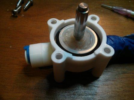Rebuilding the valve
